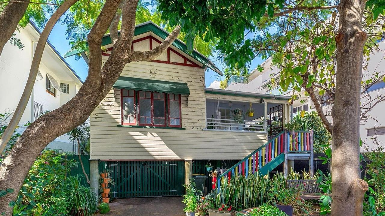 The house at the centre of a neighbourhood dispute, 151 Sydney St, New Farm is now up for rent.