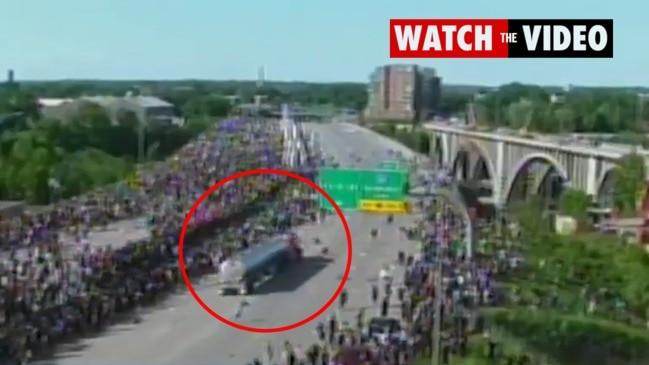 Terrifying moment semi-truck drives through protesters on Minneapolis bridge