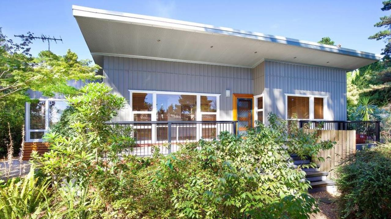 This Wentworth Falls beauty fetched $580,000 last month.