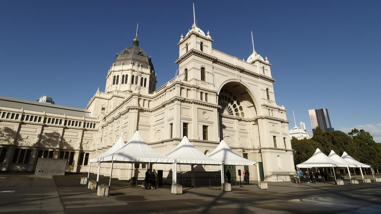 Marquees set up outside the Royal Exhibition Building jab hub. Picture: Darrian Traynor/Getty Images