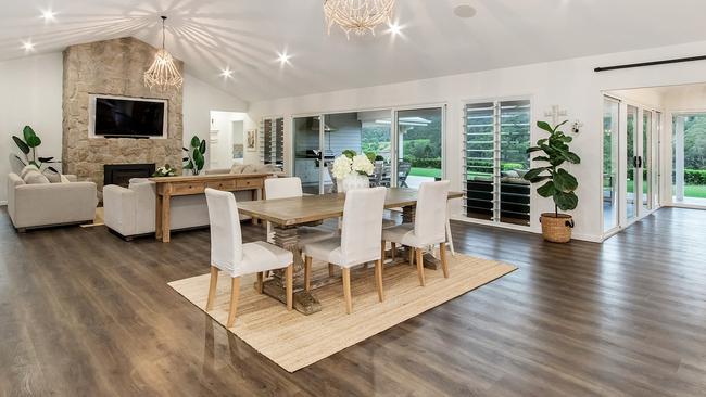 584 Austinville Rd, Austinville has sold for $1.48 million.