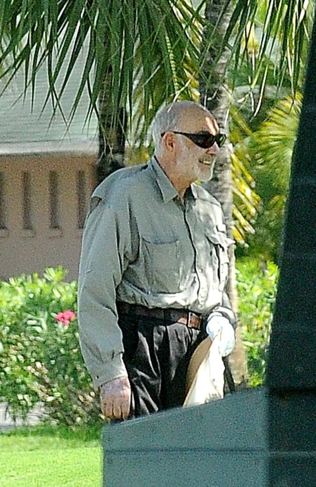 A relaxed, happy and healthy looking Sean Connery enjoys a round of golf on the beautiful island of the Bahamas. Picture: Jeff Rayner/Coleman-Rayner