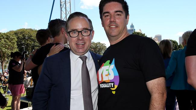 """Qanats CEO Alan Joyce (left) and partner Shane Lloyd at The Yes Campaign announcement in Sydney. Picture: Jane Dempster<ld pattern="""".""""/>+<ld pattern="""".""""/>–-–"""