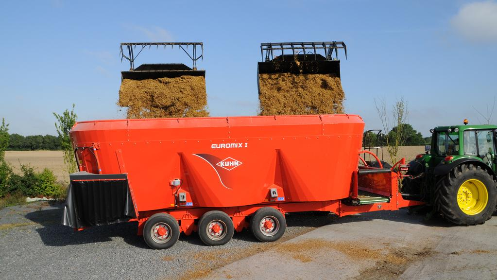 Feed mixer wagons stir debate among farmers | The Weekly Times