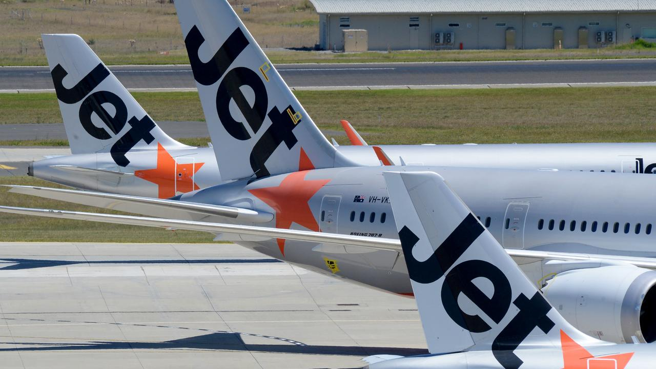 In a one-day sale that starts this morning, Jetstar will slash domestic fares to just $20. Picture: NCA NewsWire/Andrew Henshaw