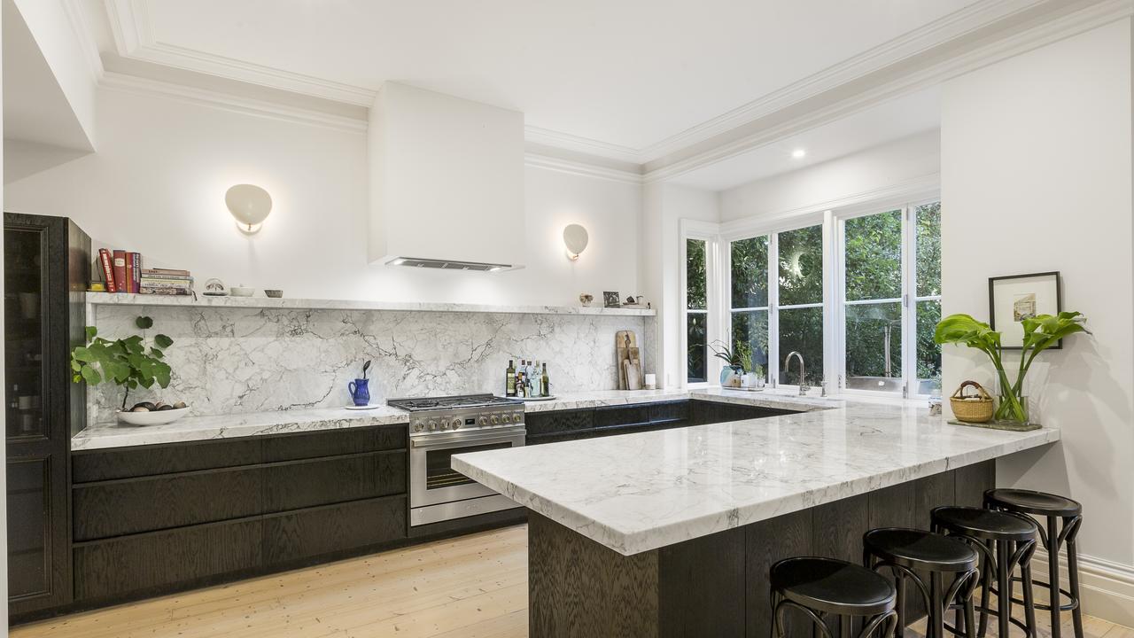 A stunning kitchen.
