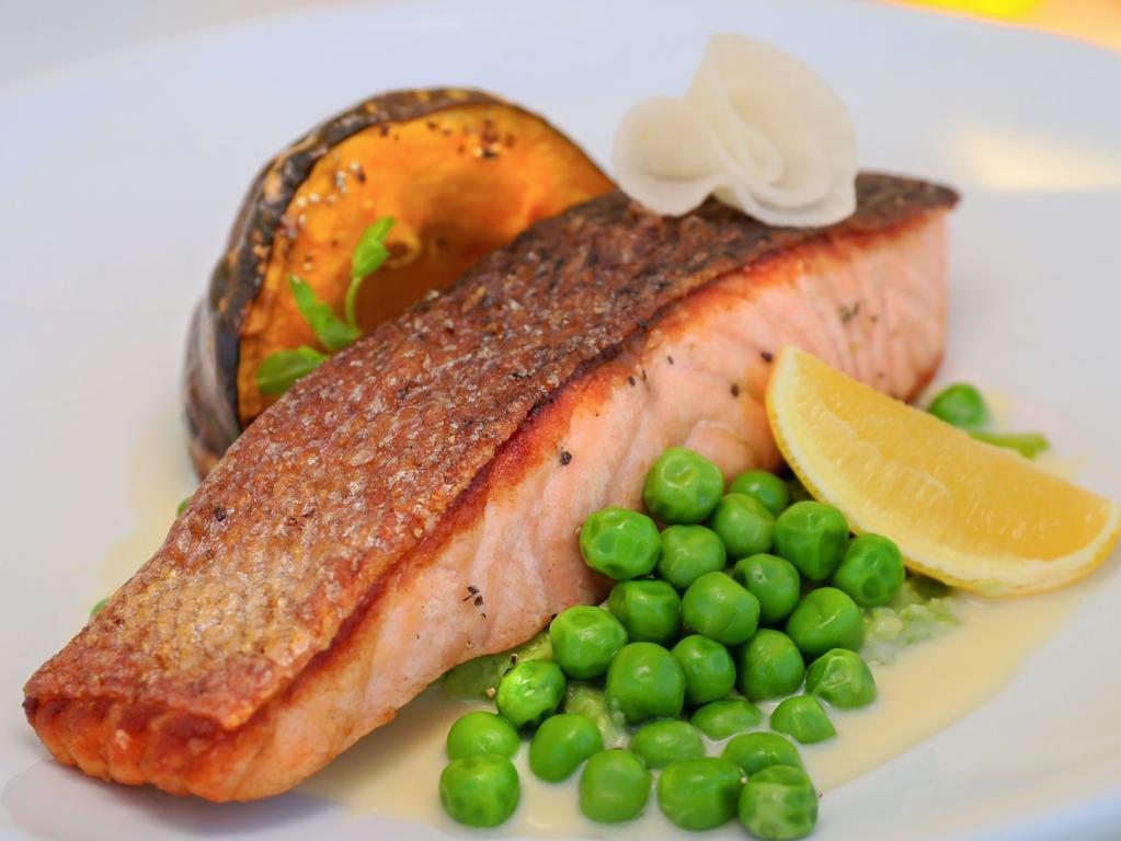 EAT STREET + Clubs NSW_Perfect Plate - Cruising Yacht Club_Cafe 44 - Salmon with pumpkin and peas, photo - Jenifer Jagielski 3
