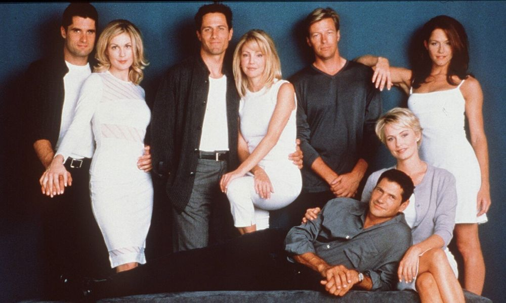 Melrose Place cast reunites 20 years on