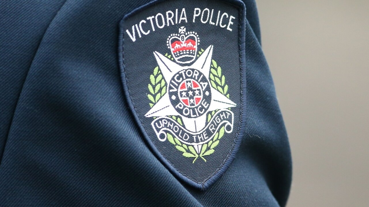 Victoria Police to use aerial surveillance to spy on AFL fans illegally celebrating Grand Final