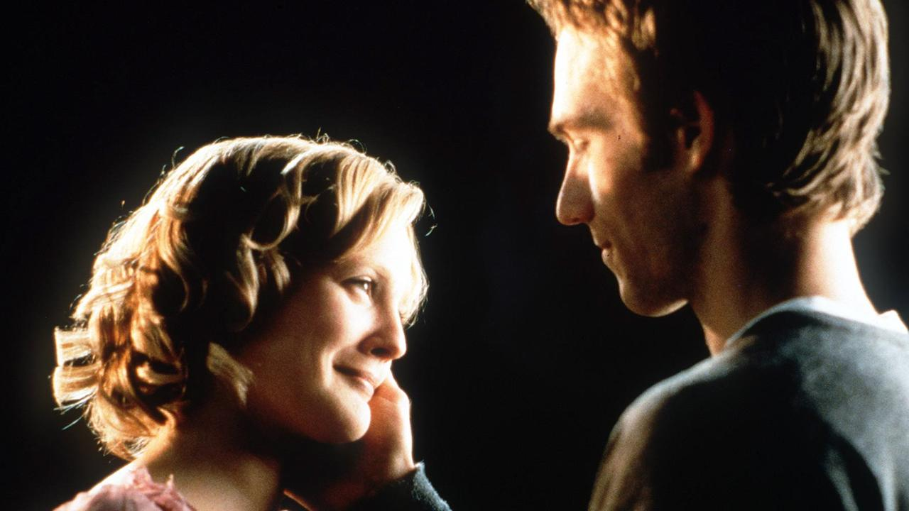 Barrymore and Vartan in Never Been Kissed.