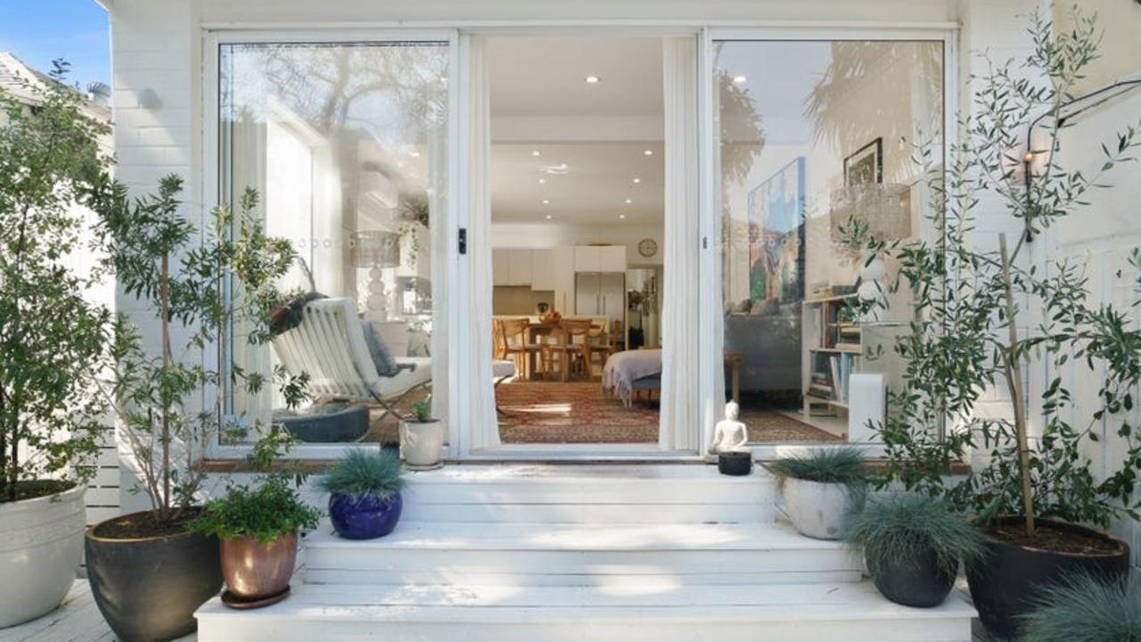 29 Gould St, North Bondi, sold for $4.8m.