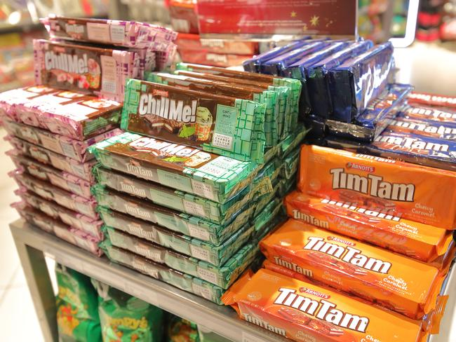9. WHY ARE TIM TAMS CALLED TIM TAMS? In 1958 Ross Arnott of Arnott's Biscuits attended the Kentucky Derby. The name of the winning horse was … Tim Tam.