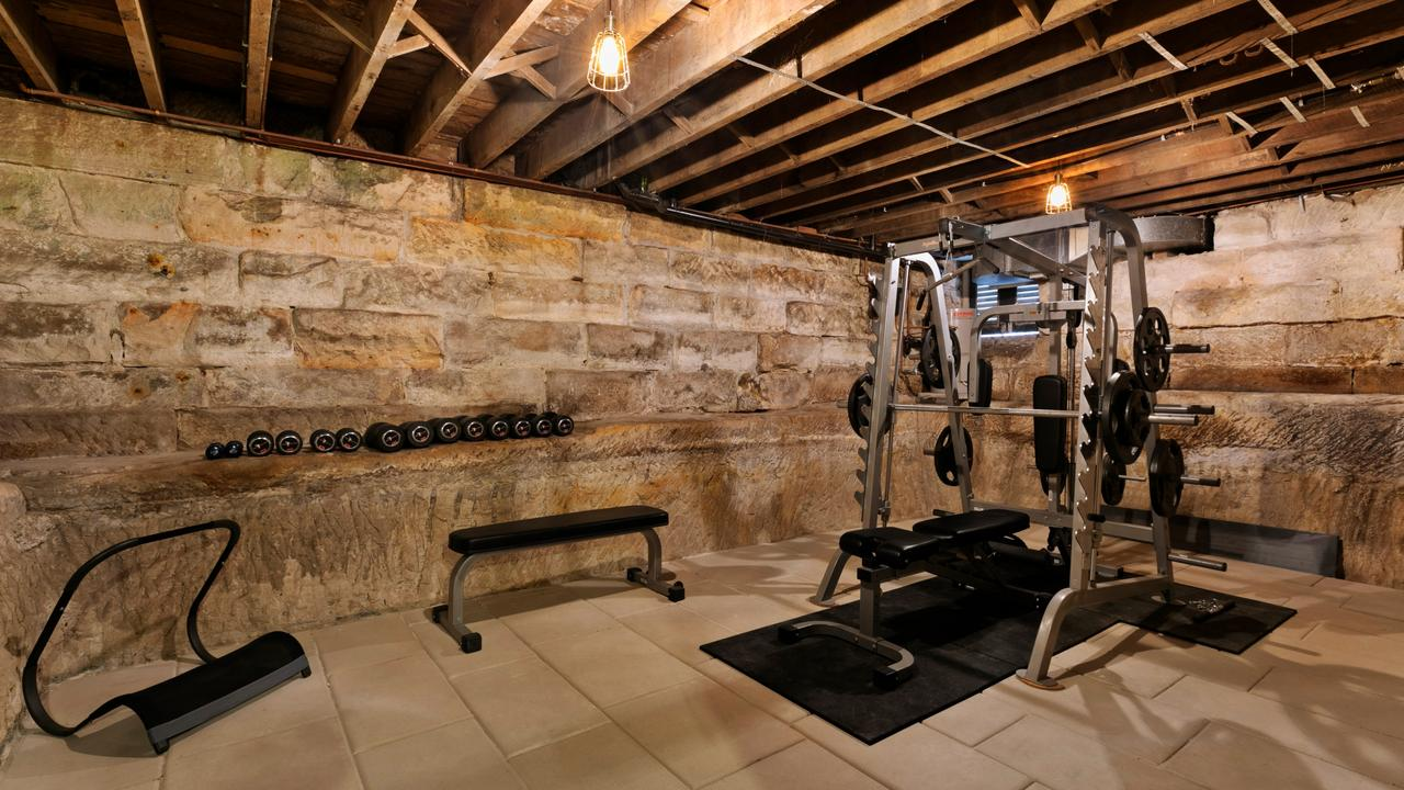 One of the rooms in the cellar is now a well-equipped gym.