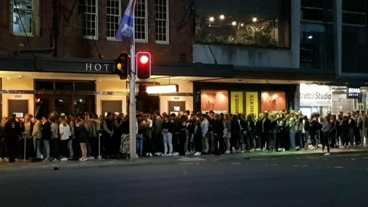 Sydney pub investigated over shoulder-to-shoulder queue