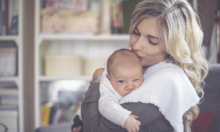 Baby routines 6-8 weeks old: Newborn sleep and feeding