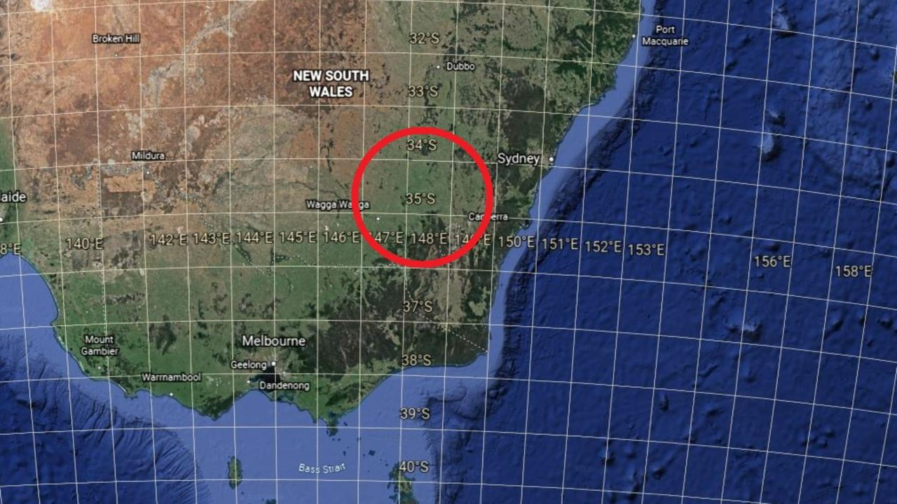 Snow is far less likely to fall at sea level north of the 35 parallel south (position ringed). Picture: Google Earth