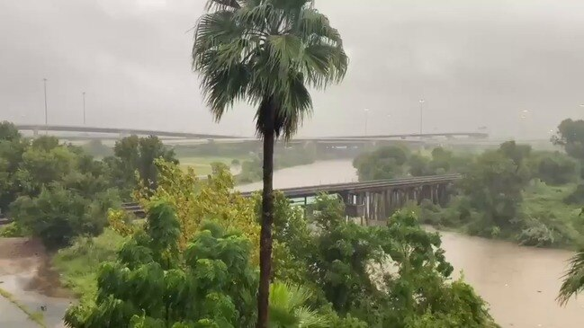 Flood Warnings Issued in Houston as Buffalo Bayou Overflows From Storm Beta