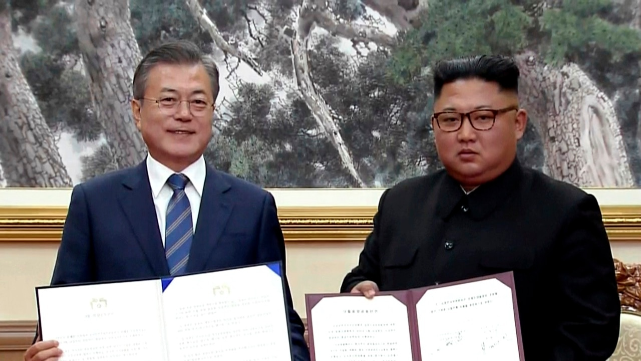 Korean leaders agree to create nuke-free peninsula