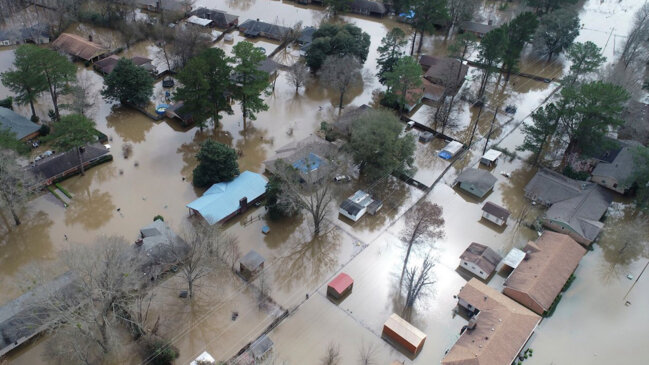 Mississippi Floodwaters Recede, but Menace Remains