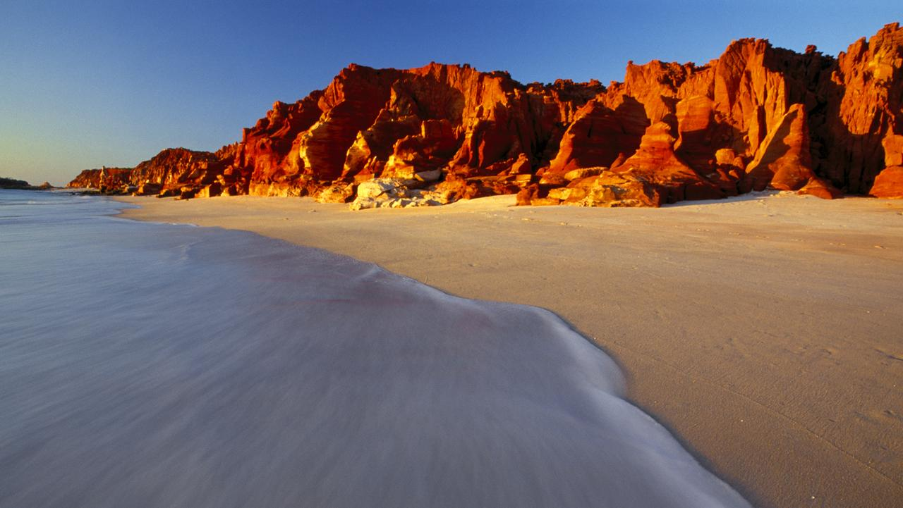 The contrast of colours at Cape Leveque is stunning. Picture: Nigel Gaunt / Red Dirt Photography