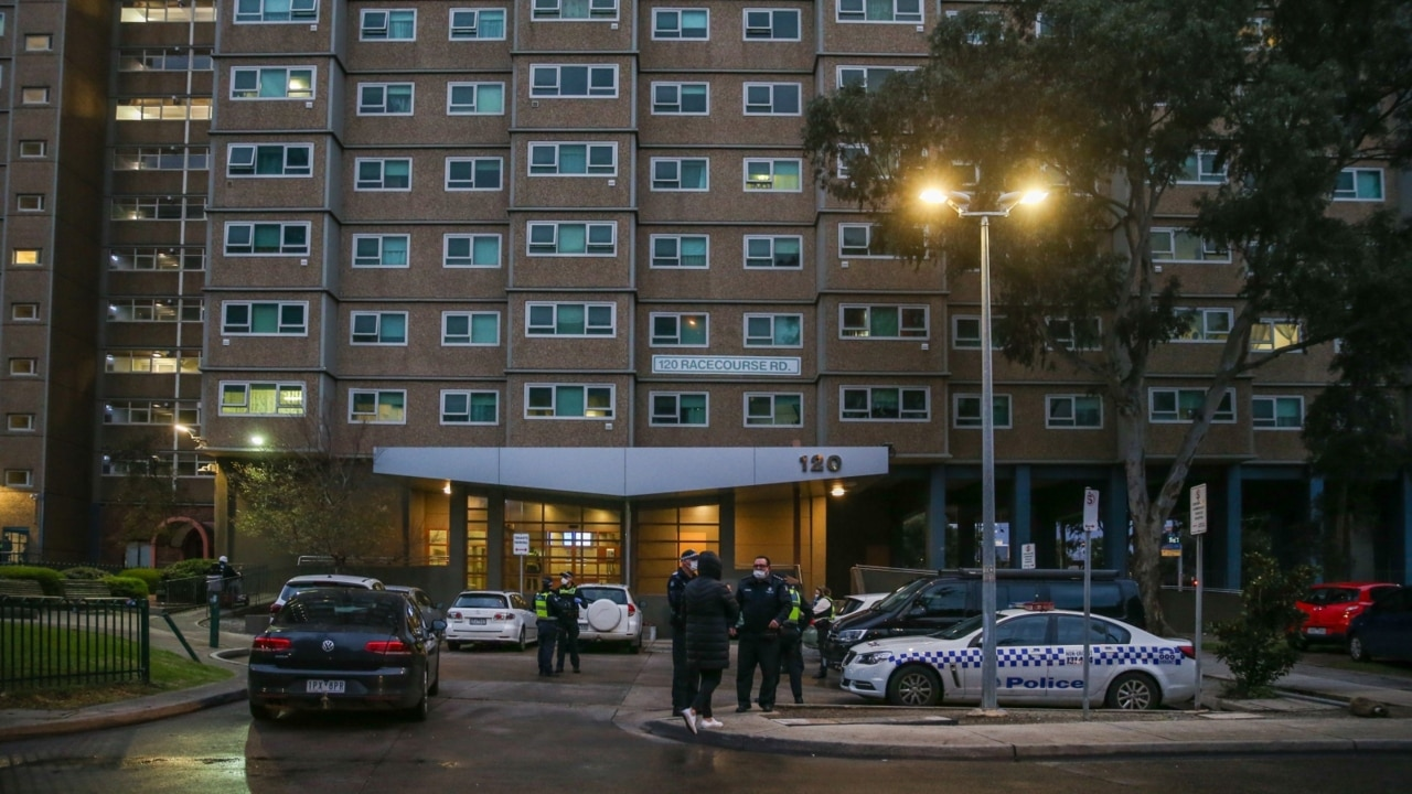 Police move in to secure COVID-19 housing commissions hotspots in Melbourne