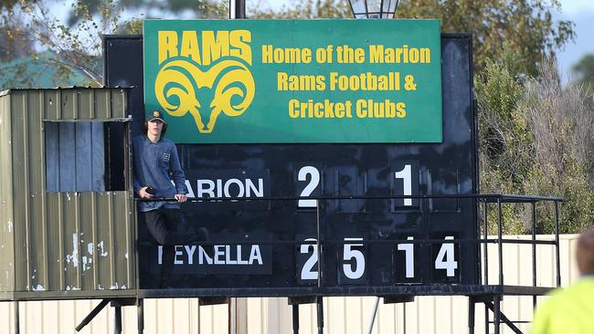 The scoreboard close to the three-quarter time siren of a match between Marion and Reynella earlier this year. Picture: Stephen Laffer