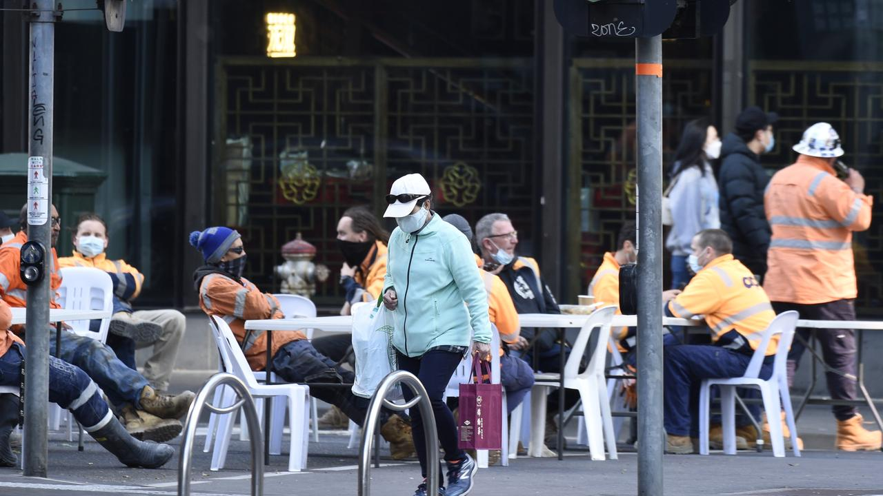 Construction workers set up smoko in the middle of the CBD. Picture: NCA NewsWire / Andrew Henshaw