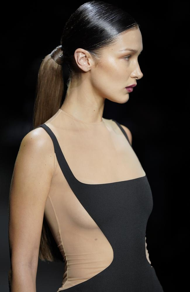 She gave a glimpse of side-boob in the fitted Mugler dress. Picture: Getty Images