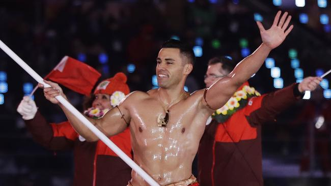 Shirtless Tongan just qualified for his third Olympics