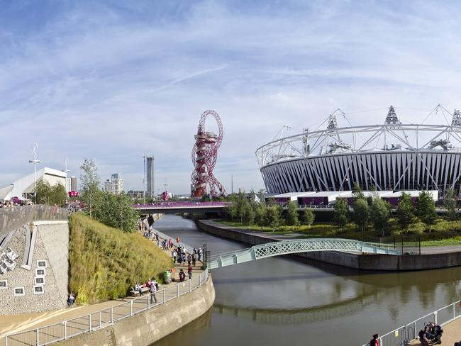 5. STRATFORD Home to the Queen Elizabeth Olympic Park, Stratford is about to become the hottest London neighbourhood, thanks to the construction of a second V & A, Sadler's Wells Theatre and the London College of Fashion. Visit the enormous ArcelorMittal Orbit sculpture, as well as Westfield Stratford City — biggest shopping centre in Europe.
