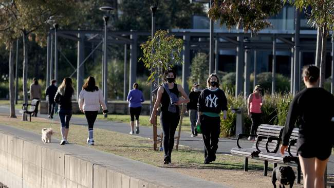 Sydneysiders exercise at Blackwattle Bay Park on the first day of spring during COVID-19 Lockdown. Picture: NCA NewsWire / Dylan Coker