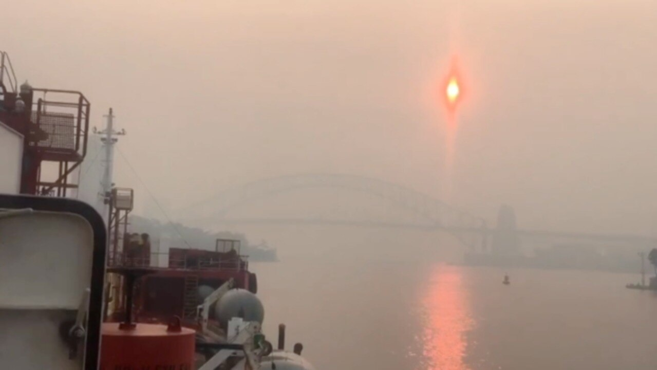 Dangerous Bushfire Smoke Turns Sun Red Over Sydney Harbour Bridge