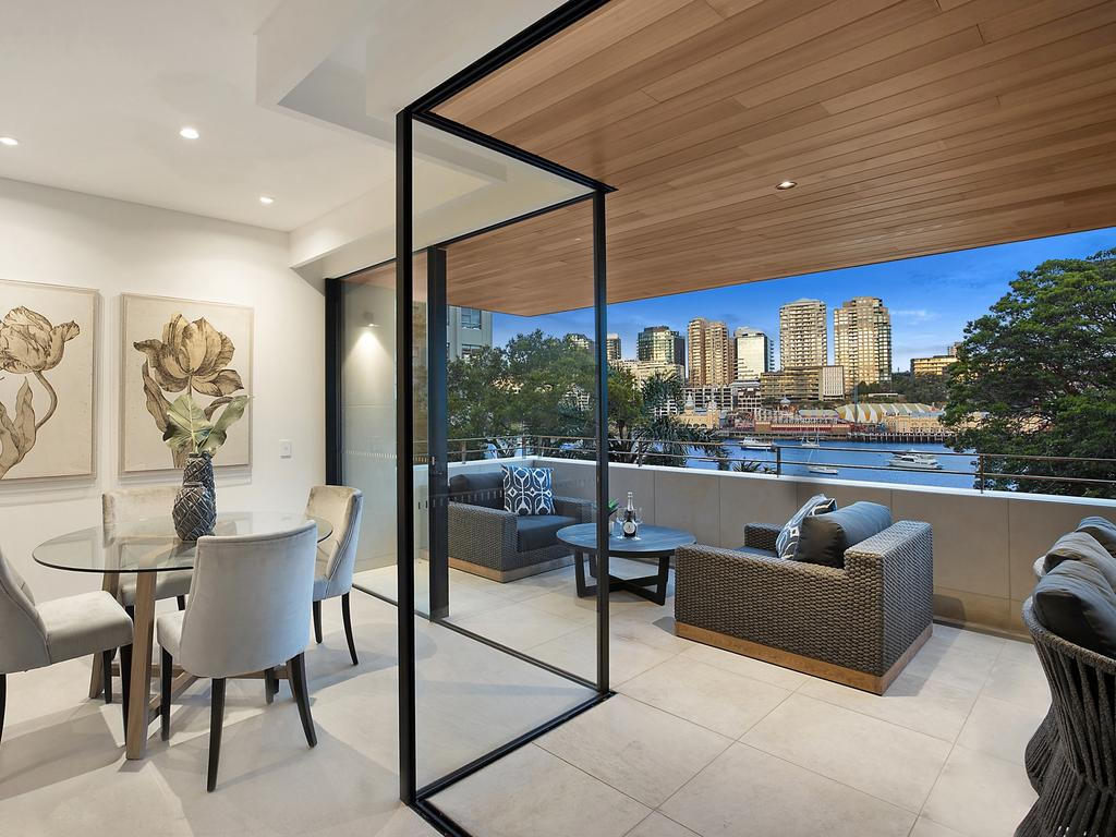 201/3 East Crescent St, McMahons Point.