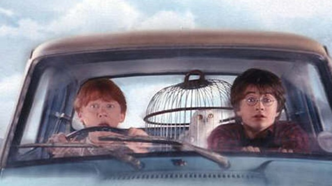 27/10/2002: DT NEWS 27-10-02 Scenes from Harry Potter and the Chamber of Secrets where Harry ignores warnings not to return to Hogwarts, only to find the school plagued by a series of mysterious attacks and a strange voice haunting him. 1-5: Daniel Radcliffe playing Harry Potter. 6 L-R: Rupert Grint playing Ron Weasley, : Emma Watson playing Hermione Granger,