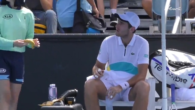 Tennis player scolded for bizarre banana request