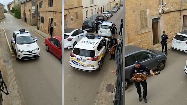 Spanish cops serenade locals in isolation
