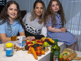 Yvonne Michaels and her two daughters (Giselle – 10 years old, Chloe – 7 years old) takes a holistic approach to managing her and their asthma. Picture by Wayne Taylor 27th October 2020
