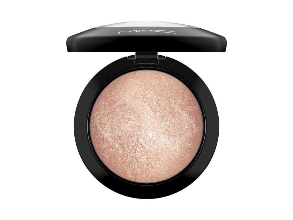 MAC Cosmetics Mineralize Skinfinish in Soft & Gentle.
