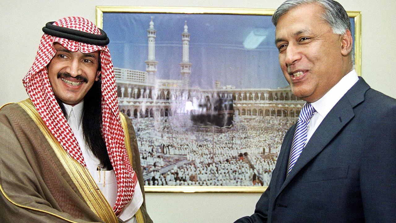 Missing Saudi Arabian Prince Turki Bin Bandar (L) with Pakistan's Finance Minister in 2003. Picture: AFP.
