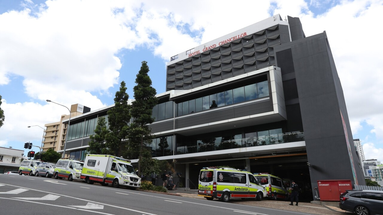 Qld Health urging hotel quarantine guests to re-enter isolation over UK virus fears