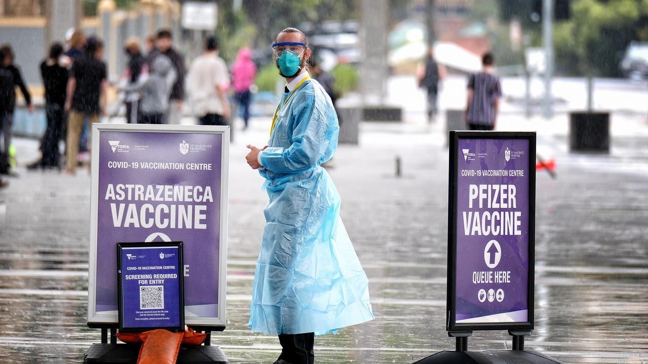 Victoria has extended its vaccine mandate to all essential workers cleared to leave home during the lockdown. Picture: NCA NewsWire / Luis Enrique Ascui