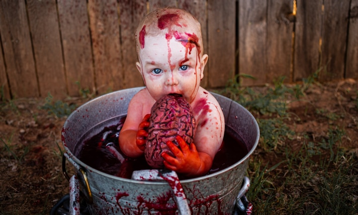 Mum slammed for Halloween photo shoot with kids