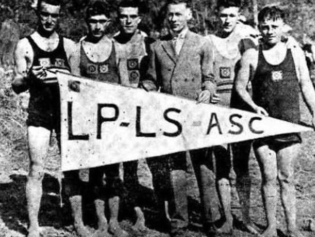 Members of the Lake Parramatta Life Saving Amateurs Swim Club in 1938.