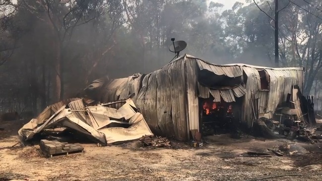 RAW: Shed burnt out in Wrights Creek fire