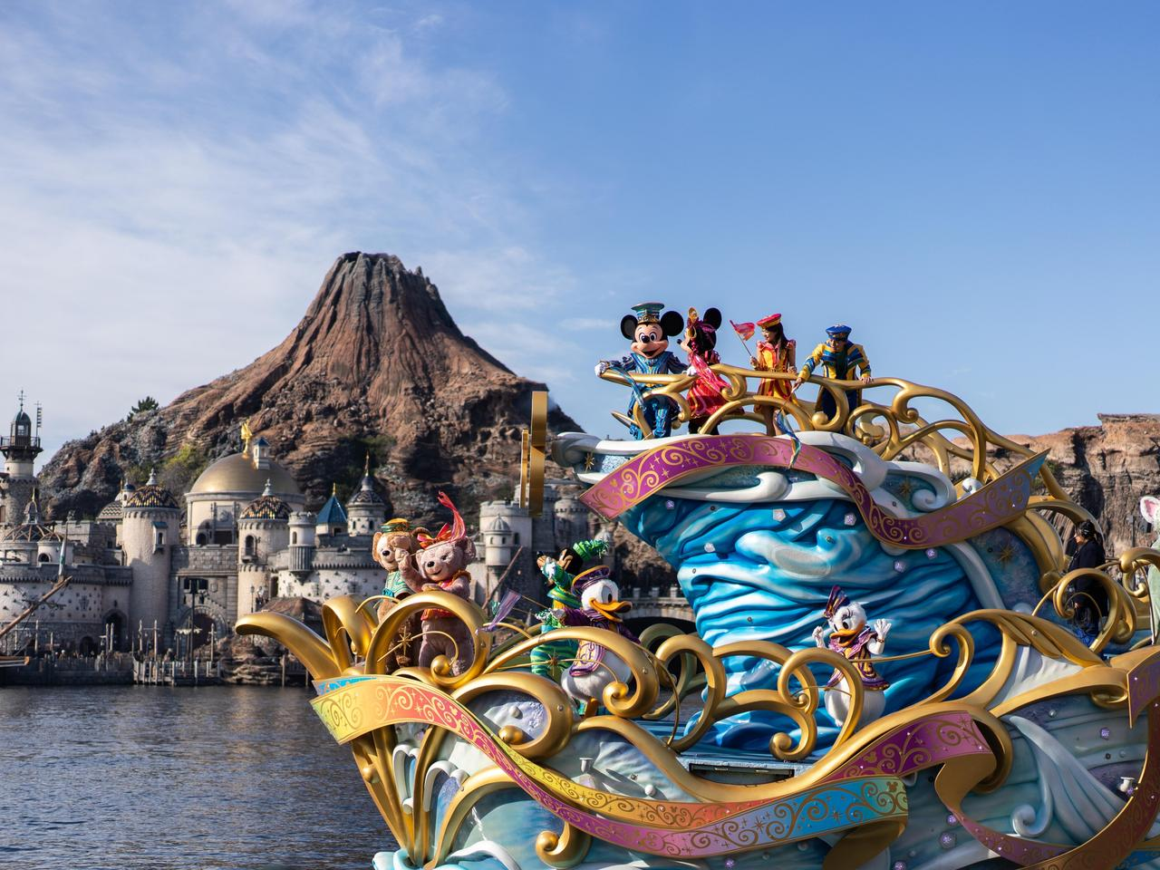 TOKYO, JAPAN - November 21, 2018: Tokyo Disney Sea Show on the water.