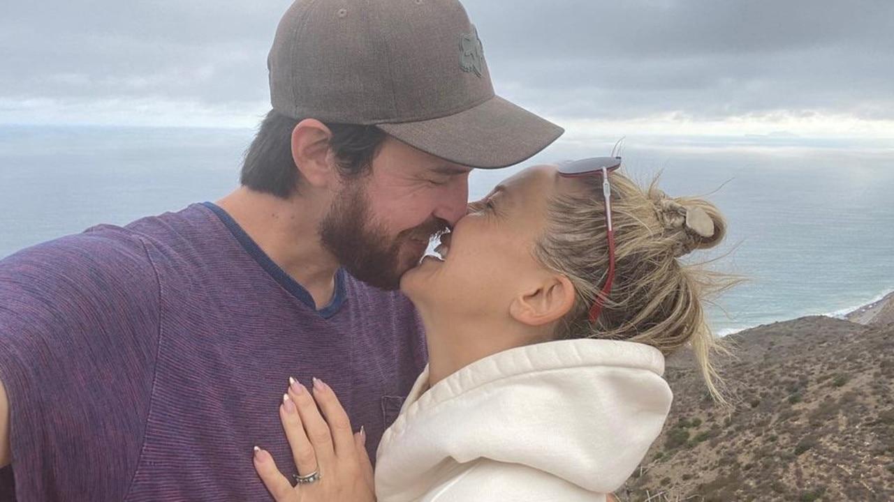 Kate Hudson is engaged to Danny Fujikawa.
