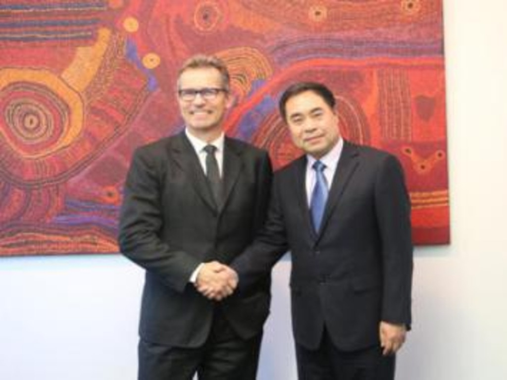 Xu Jie is also an honorary professor at The University of Queensland, pictured here with Vice-Chancellor Peter Hoj.