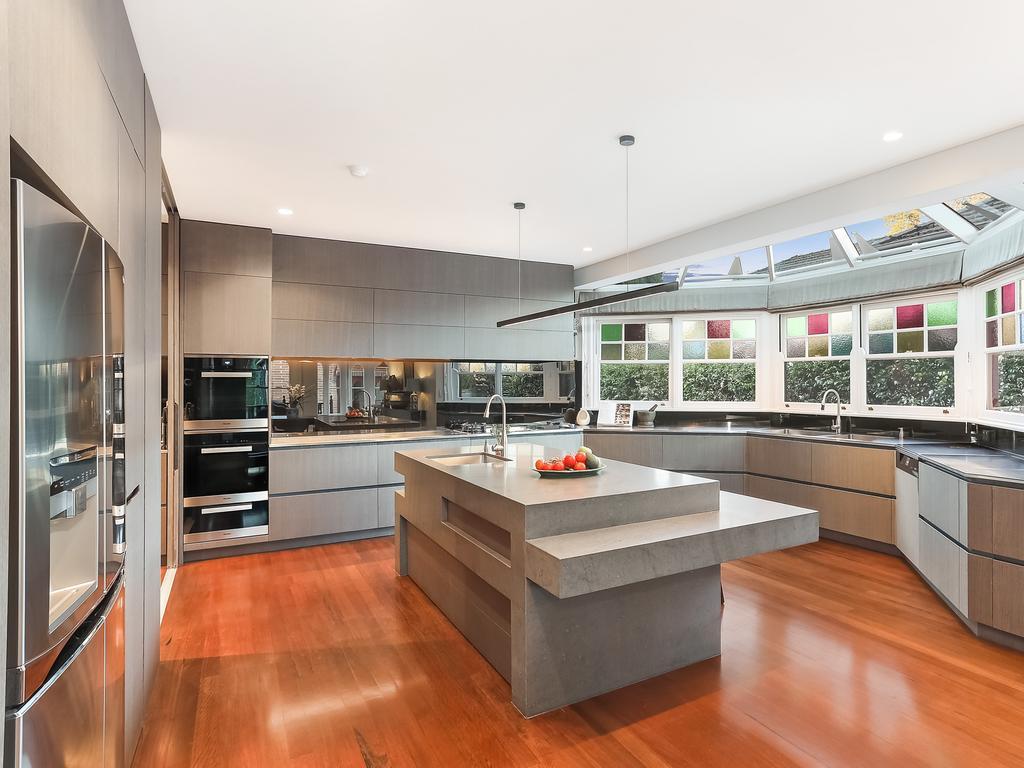 The kitchen has granite benchtops.
