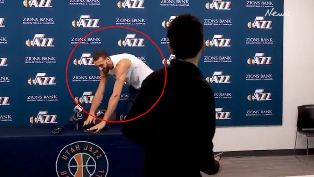Rudy Gobert jokingly touches microphones after press conference