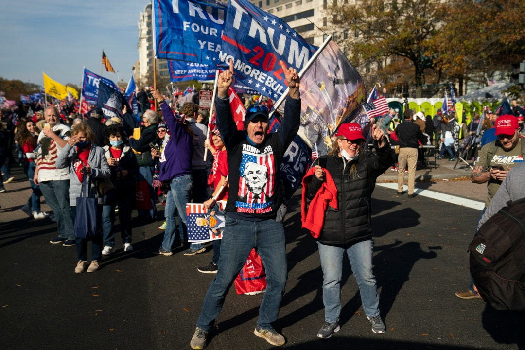 Thousands rally in Washington to support President Trump